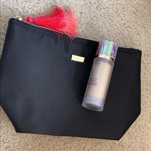 tarte foundation w/ makeup bag